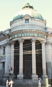 Hibernia Bank front entrance.